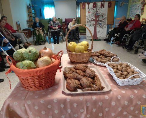 Fiesta del otoño en residencia para mayores Edad Dorada